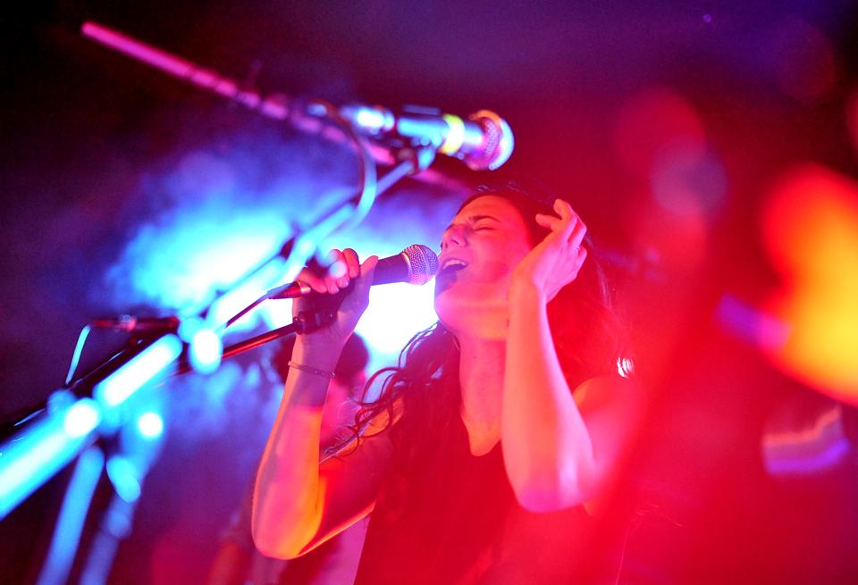 Anna F. gibt Konzert in Berlin